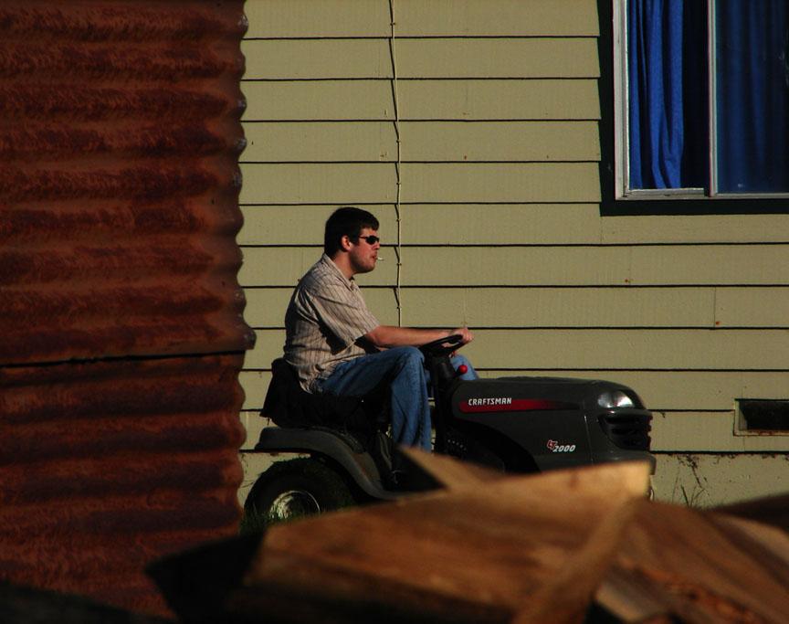Lawnmower, Oreck, CA, Andrew D. Barron ©1/05/11