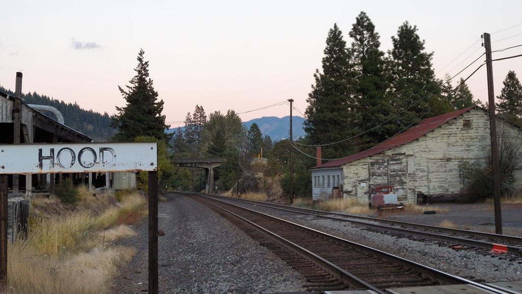 Hood train stop, Washington, Andrew D. Barron©10/16/11