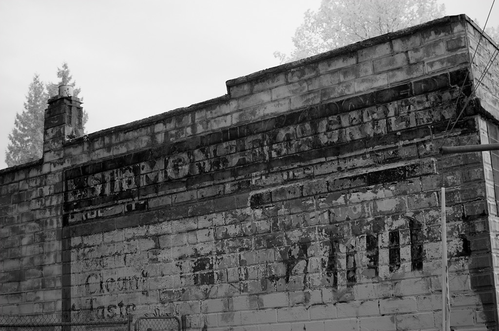Simmons Grocery, Portland, Andrew D. Barron©11/11/11