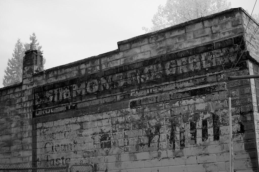 Simmons Grocery, Portland, Andrew D. Barron©11/11/11