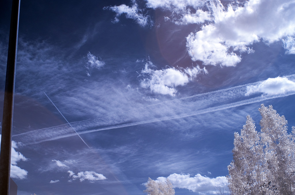 Active contrails, Andrew D. Barron©6/11/11