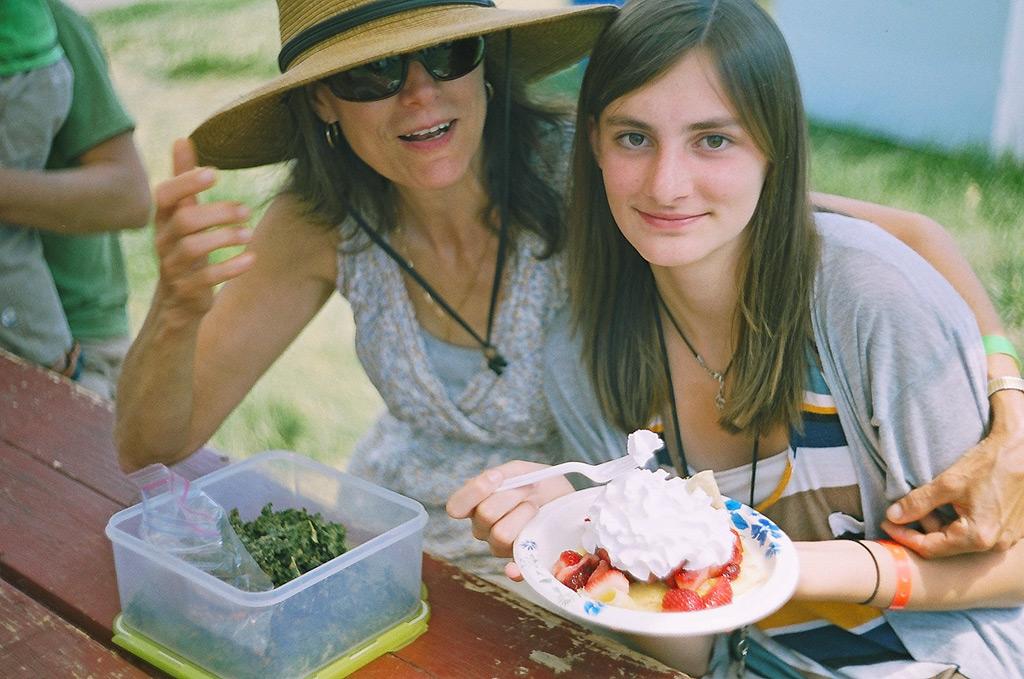 Jeanette and her daughter, Susanville Bluegrass festvial, Andrew D. Barron ©6/24/12
