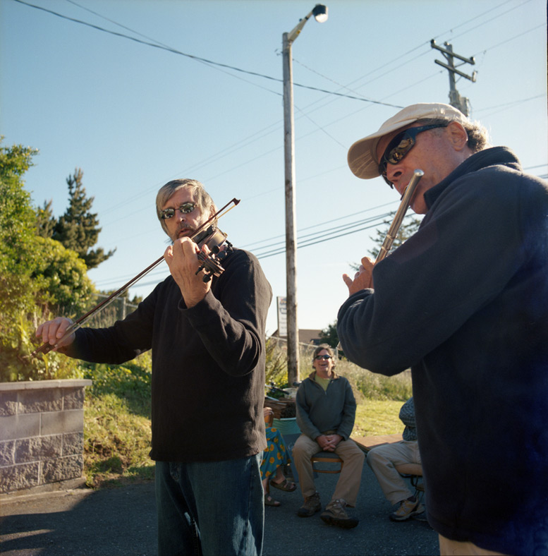 Cliff Stansell and Jon Cyparski, Gold Beach afternoon, Andrew D. Barron©June 2012 [Hasselblad 500c/m, Portra 400]